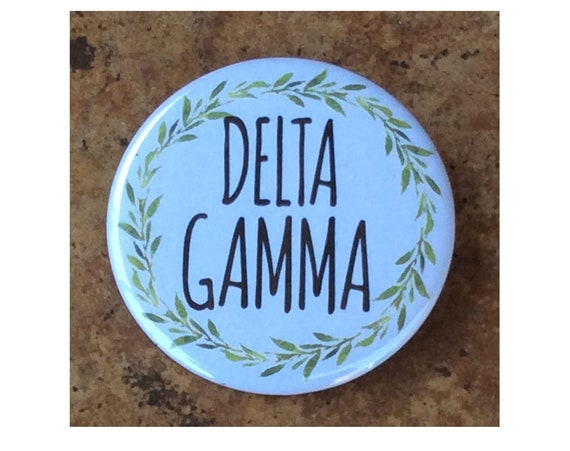 Delta Gamma Button with Green Wreath
