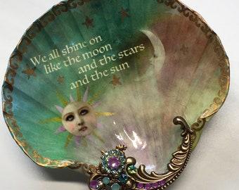 Decoupaged Shell Jewelry DishJewelry Dish, Shell Dish, Sun And Moon Large Shell Jewelry Dish Ring Dish Trinket Dish Jewelry Storage