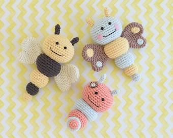 Butterfly baby rattle crochet pattern - Amigurumi Today | 270x340