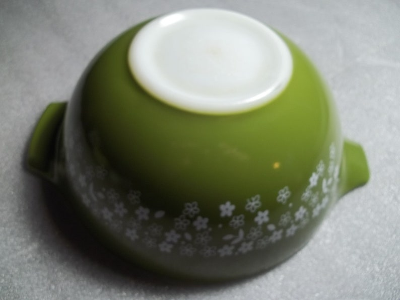 Spring Blossom aka Crazy Daisy 442 Vintage Pyrex Nesting Mixing Bowl 1.5Quart