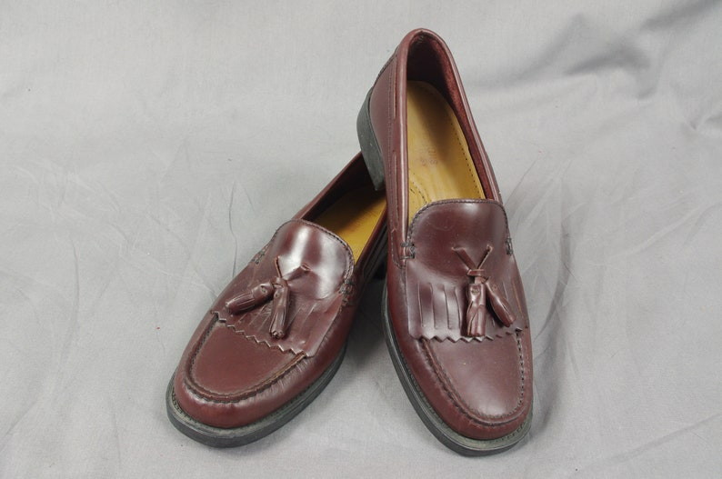 56d18761955 Mens Oxblood Bass Weejuns Mens Tassle Loafers Burgundy Penny