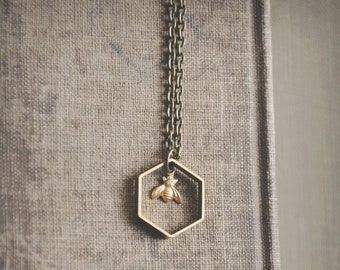 tiny bee. a modern geometric nature inspired necklace.