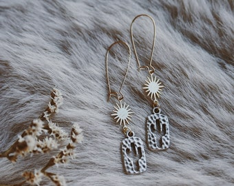sunny saguaro. a pair of mixed metal golden sun and hammered silver cactus desert southwest boho earrings
