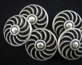 """Pewter button  - Lot of 4  - Size 3/4"""" Beautiful shape"""