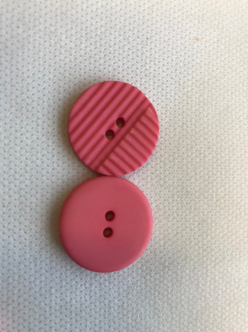 6 Smiling Face Buttons 15mm Wide in 5 lovely colours
