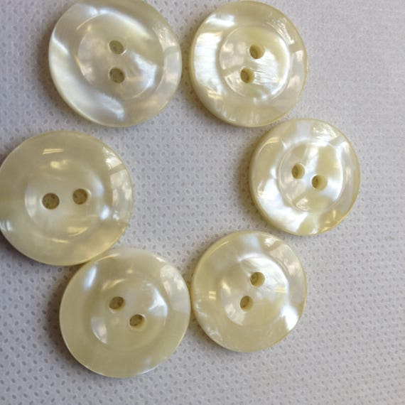 11mm A PACK OF 40 PEARLY SHIRT BUTTONS 3 PRETTY COLOURS AVAILABLE