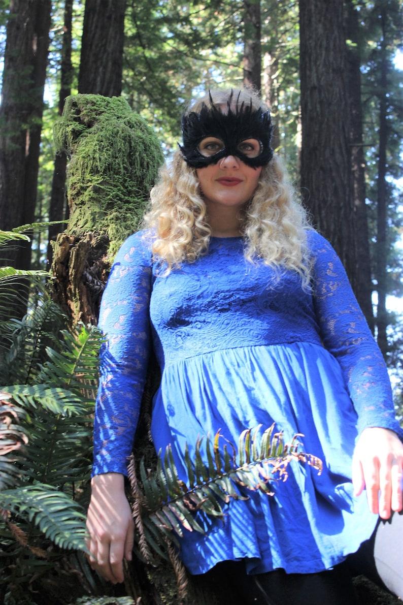 Unisex BLACK BIRD Mask Crow or Black Swan costumes Black Feather Mask Masquerade Raven Bulesque Costuming.