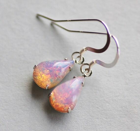 HB712 Vintage 13x8mm fire opal harlequin pear shape glass jewels 18