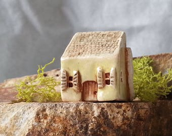 Miniature house Tiny ceramic house Home decor Mini clay house Little house Rustic house Shelf village Tiny house Housewarming gift Ceramics