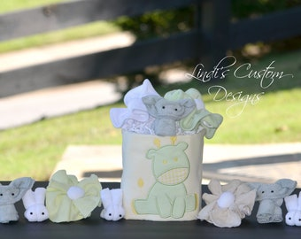 Neutral Baby Shower Table Display, Neutral Giraffe Elephant Bunny Mini Diaper Cake Table Centerpiece, Yellow Mint Green Baby Shower Decor