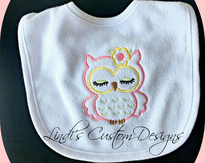 Owl Baby Bib/ Embroidered Owl Bib/ Girl Owl Baby Bib/ Unique Baby Gift/ Baby Shower Owl/ Embroidered Girl Owl Bib/ Baby Feeding Accessories