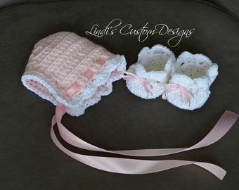 Baby Girl Gift, Girl Baby Shower Gift, Baby Crochet Bonnet Shoes Set, Pink White Girl Baby Crochet Bonnet Shoes Gift Set, Unique Baby Gift
