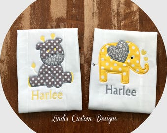Safari Giraffe Elephant Burp Cloth Set, Gender Neutral Animal Safari Baby Gift, Yellow Gray Burp Cloths, Unique Baby Gift, Giraffe Elephant