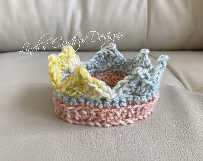 Crochet Newborn Tiara/ Baby Crown/ Newborn Photography Prop/ Hand Crochet Baby Crown Tiara Boho Santa Fe/ Unique Baby Gift/Boho Baby Gift