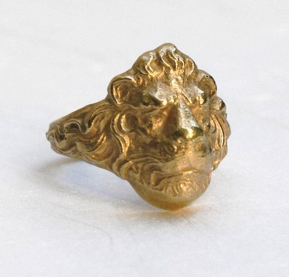 bague en or tete de lion