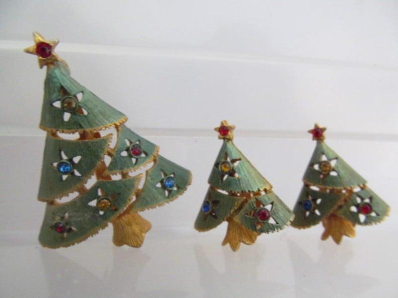 Holiday Rhinestone Brooch Christmas Tree Demi Parure Brooch Christmas Pin Earrings Clip Earrings