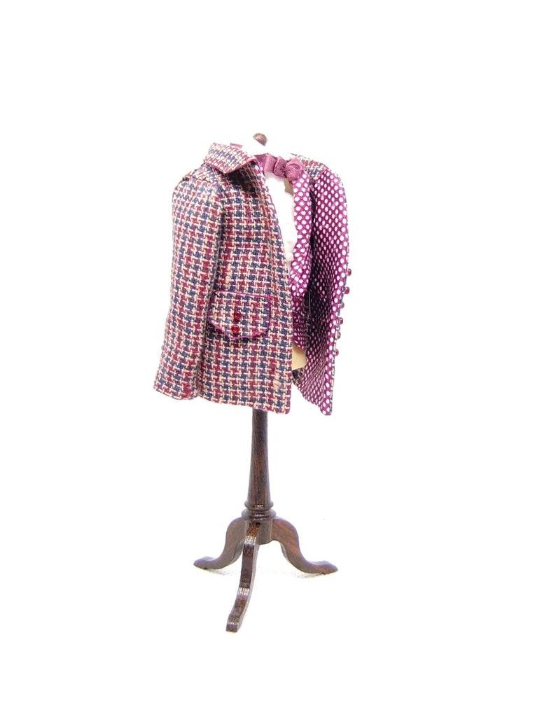 DOLLHOUSE GENTS Jacket and waist coat mounted on a Manikin image 0