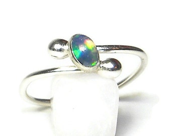 Welo Opal Ring, Extra Brilliant Flashes of Fire in Fine Silver R153