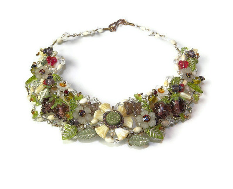 Brambles Hearts and Flowers Beaded Collar Necklace WJ108
