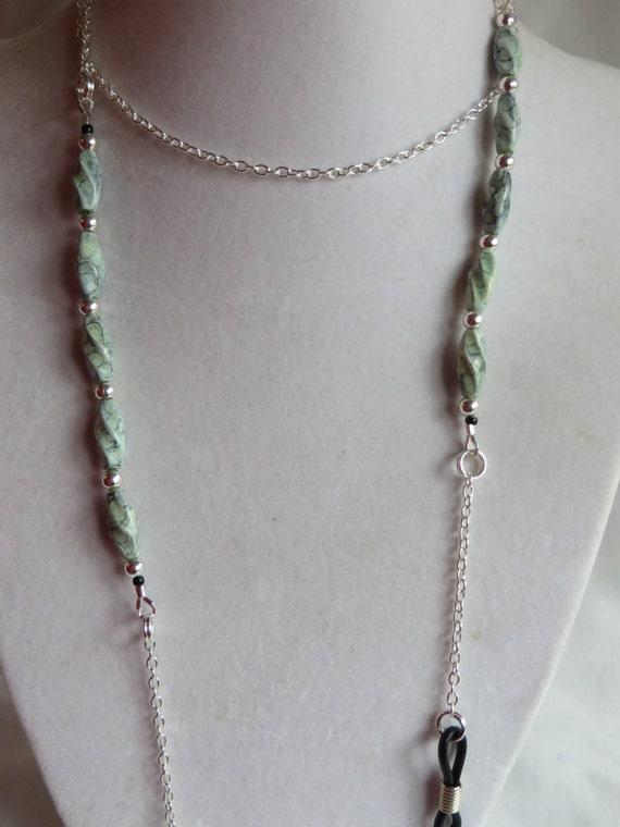 dae49edcdbbcca 30 srebrny łańcuch okularowe uchwyt z zielone koraliki | Etsy