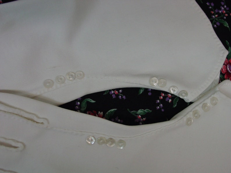 Wide Cuff and Teensy Pearl Button Trim Size 7 White Cotton Vintage Gloves