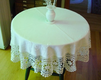 """Antique Round Linen Tablecloth w/Wide Crocheted Edge, Embroidery 45"""" Gorgeous"""