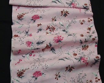 """Beautiful Vintage Cotton Fabric Pink with Charming Black Line Floral Designs 4 1/2 Yds. 34"""" Wide"""