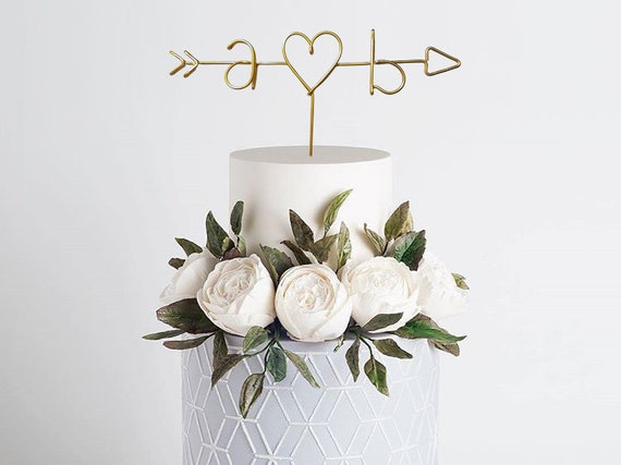 pfeil und initialen draht cake topper rustikale cake topper etsy. Black Bedroom Furniture Sets. Home Design Ideas