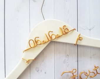Add A Date To Your Hanger - This Add On Must Be Purchased With a Le Rustic Chic Hanger