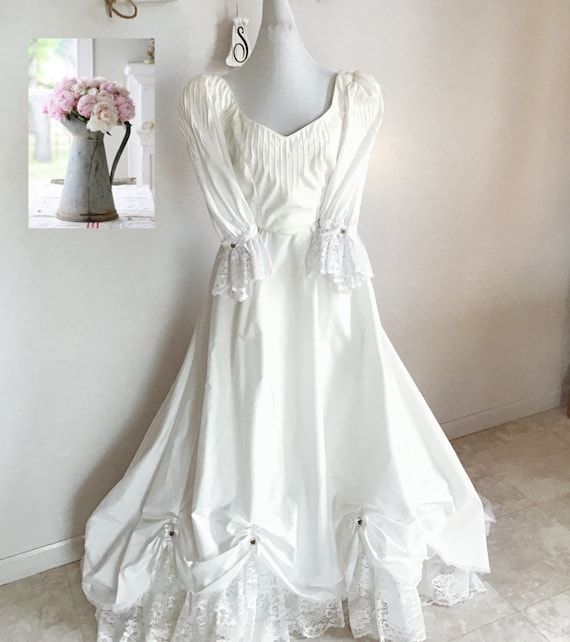 Wedding dress, vintage wedding dress, garden weddi
