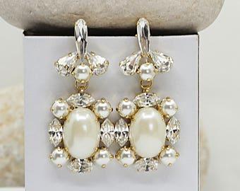Pearl Bridal Earring, Crystal Swarovski Earrings, Wedding Pearl Earrings, Pearl Dangle Earring,Rhinestone And Pearl Earrings, Pearls Cluster