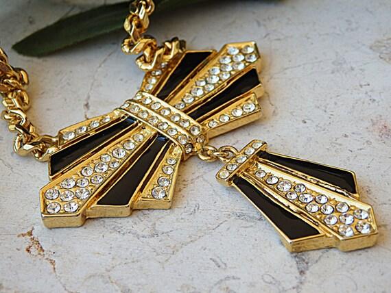 Bow necklace. Vintage bow tie necklace. Enamel jew