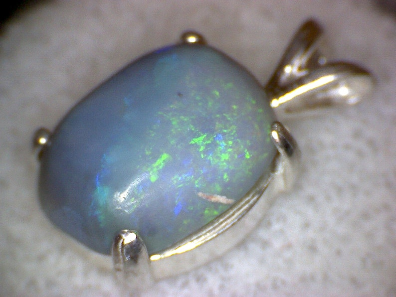 Beautiful Lightning Ridge Australian Black Opal Pendant