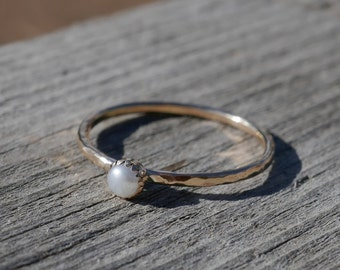 Pearl goldfill stacking ring, white freshwater pearl, hammered band, goldfill delicate stacking ring