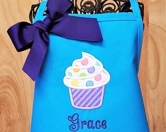 Baking Christmas Gift Gift Kids Gift Cupcake With Hearts Pink Cake Cooking Personalised Children/'s Apron