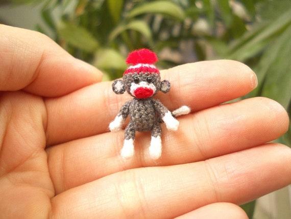 Sock Monkey 1 Zoll Pom Pom Mütze winzige häkeln Miniatur | Etsy