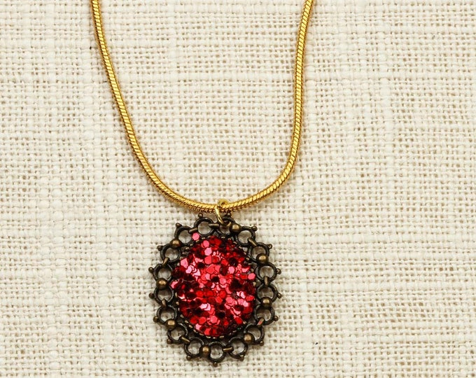 """Handcrafted Red Glitter Necklace 
