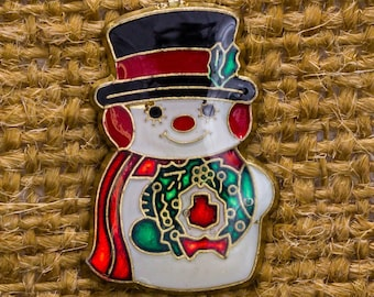 Holiday Snowman Pin Wreath Gold Red Green Frosty Snow Christmas Brooch 14H