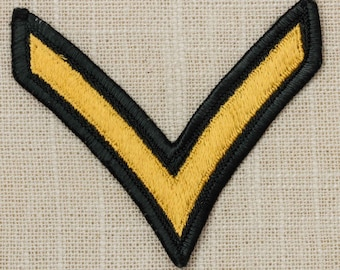 US Army Vintage Patch Vietnam Era 1955 Private E-2 Chevron Green and Gold Uniform Sew on 7Y