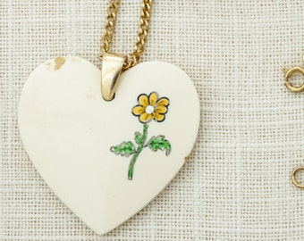 Flower Power Vintage Necklace Pendant Yellow Flower Heart | Brass Chain | Hippie Hippy Halloween Costume Jewelry 16D