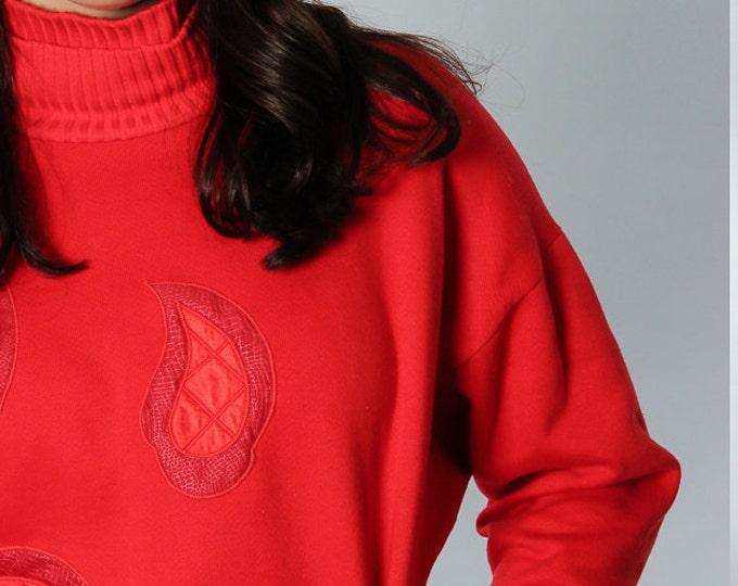 1980s Red Sweatshirt Paisley Pattern Cozy Fleece | Turtleneck & Sweater Waist Band Size  Medium Vintage Top | 5EE