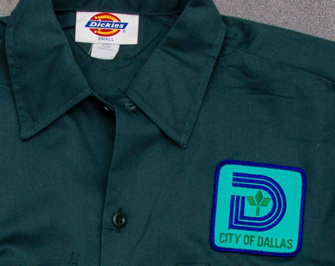 Vintage Dallas Shirt Green Dickies City of Dallas Men's Shirt Size Medium Short Sleeve Uniform Top Hipster Work Wear Street Style Mens 7W