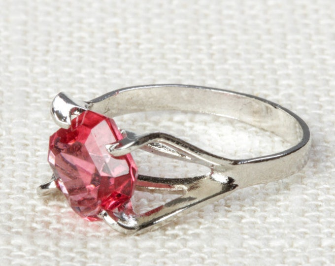 Pink Vintage Ring Rhinestone Gem Silver Coral 7.5 mm US Womens Sizes 7D