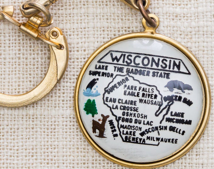 Wisconsin The Badger State Vintage Keychain Gold Round State Map Clasp Key FOB Brass Key Chain 7KC