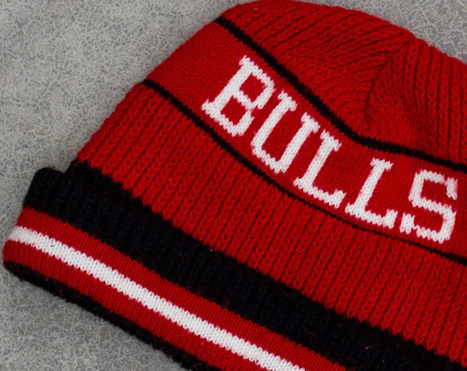 Chicago Bulls Hat Vintage Red and Black Beanie Ski Skull Cap Toboggan Winter Yellow and Red 80s 90s  7ZZ