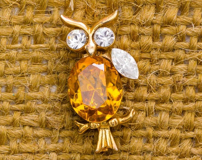 Rhinestone Owl Vintage Lapel Pin Amber Orange Gold Clear Button Vtg Pin 7AN