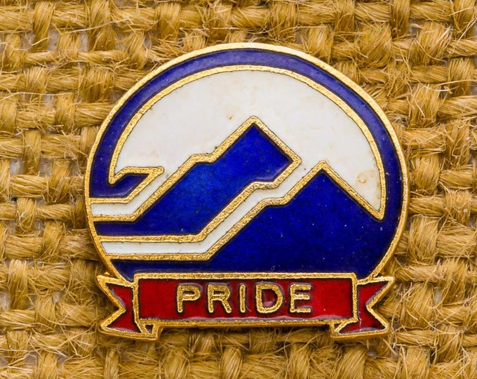 Pride Vintage Lapel Pin Enamel Red White Blue Gold Mountains Button Vtg Pin 7AN