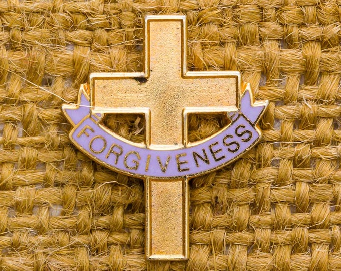Gold Cross Vintage Lapel Pin Enamel Purple Banner Forgiveness Easter Button Vtg Pin 7AN
