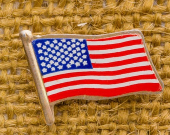 American Flag Vintage Lapel Pin Red White and Blue Patriotic Button Vtg Pin 7AN