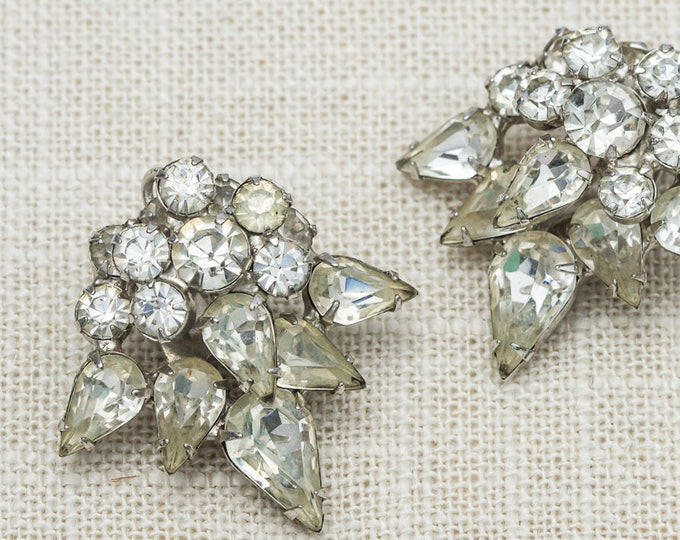 Vintage Earrings Clip On Rhinestone Large Dimensional Intricate Design Round Pear Shape Clipons Vtg 7LL